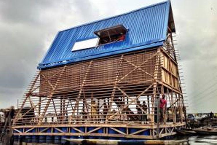 NLE mendesain Makoko Floating School atau Sekolah Mengambang Makoko. Sekolah tersebut merupakan tahap pertama dalam tiga tahap pengembangan yang akan menjadi sebuah komunitas mengambang, lengkap dengan hunian mengambang.