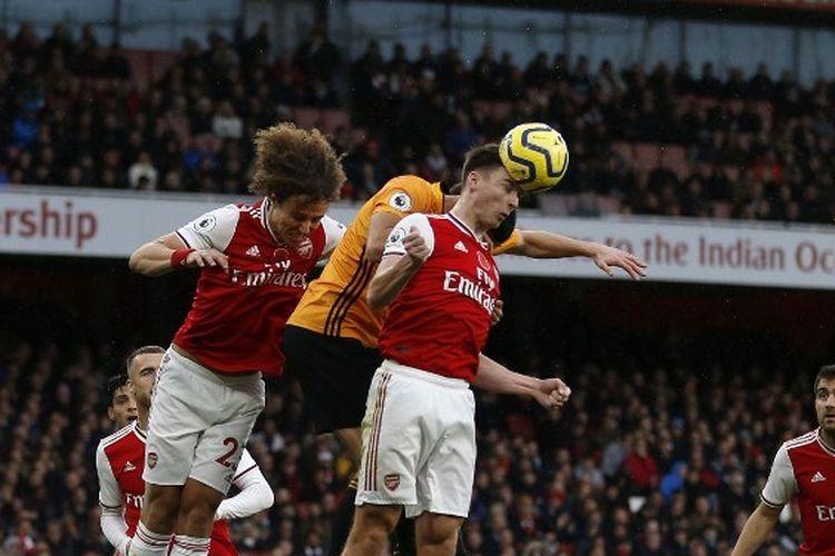 Bek Arsenal, Kieran Tierney, dalam pertandingan Liga Inggris menghadapi Wolverhampton Wanderer yang digelar di Stadion Emirates pada tanggal 2 November 2019.
