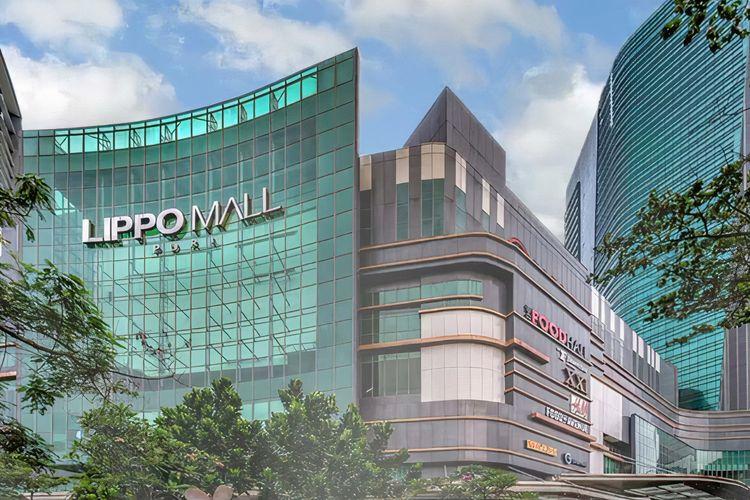 Tampak luar Lippo Mall Puri di Kecamatan Kembangan, Jakarta Barat.
