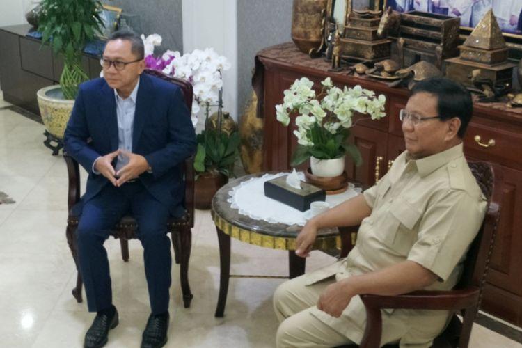 Ketua Umum Partai Gerindra Prabowo Subianto bertemu dengan Ketua Umum Partai Amanat Nasional (PAN) Zulkifli Hasan di Rumah Dinas Ketua MPR, Kompleks Widya Chandra, Jakarta Selatan, Senin (25/6/2018).