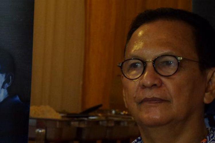 Roy Marten menghadiri jumpa pers film Old Friend digelar di kawasan Bangka Raya, Mampang Prapatan, Jakarta Selatan, Kamis (23/6/2016). Film bergenre triller tersebut digarap oleh rumah produksi Citra Baru Production & Ega Picture.