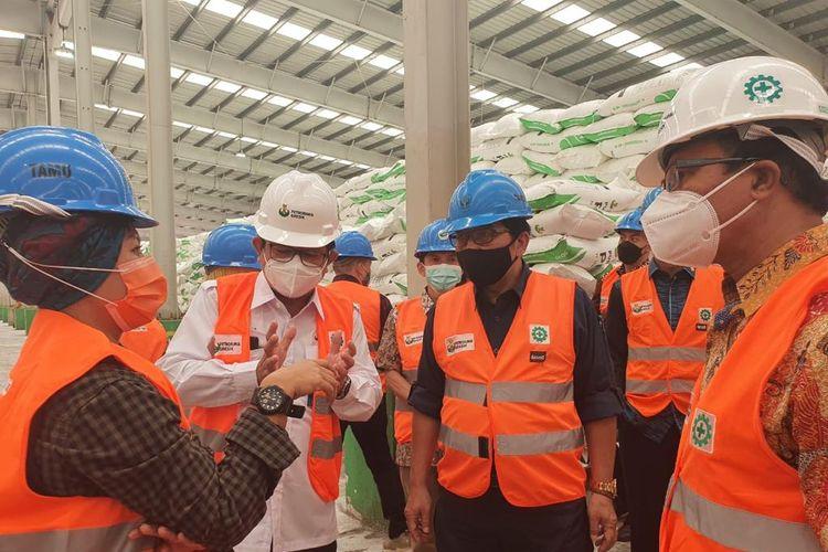 Direktur Jenderal (Dirjen) Prasarana dan Sarana Pertanian (PSP) Kementerian Pertanian (Kementan), Sarwo Edhy saat melakukan kunjungan kerja ke Petrokimia Gresik, Kamis (28/1/2021).