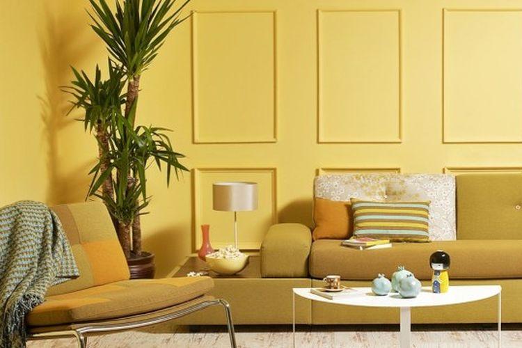ilustrasi cat kuning di dalam rumah.