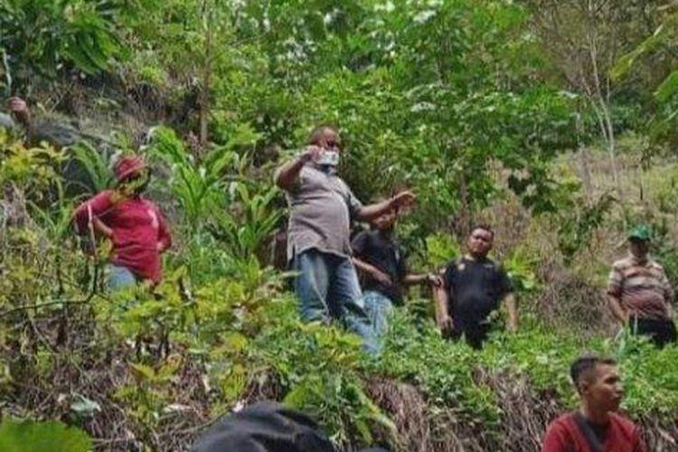 Pencarian terhadap Nugi anak laki-laki berusia 3 tahun di Desa Tolambo, Kecamatan Pamona Tenggara, Kabupaten Poso.