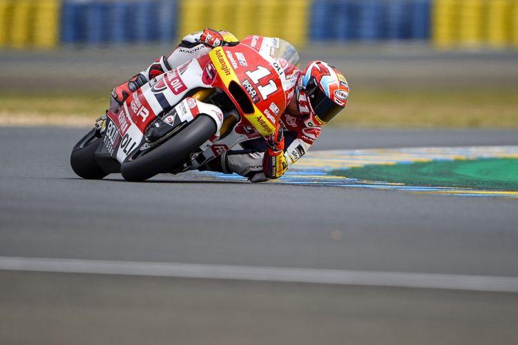 Nicolo Bulega saat balapan pada Moto2 Prancis 2021