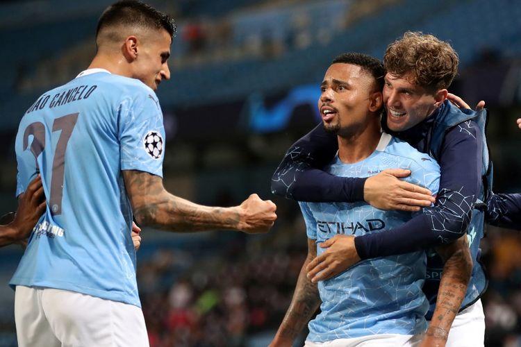 Striker Gabriel Jesus (tengah) melakukan selebrasi setelah mencetak gol kedua Manchester City pada laga Man City vs Real Madrid, di Stadion Etihad, Jumat (7/8/2020) atau Sabtu dini hari WIB.