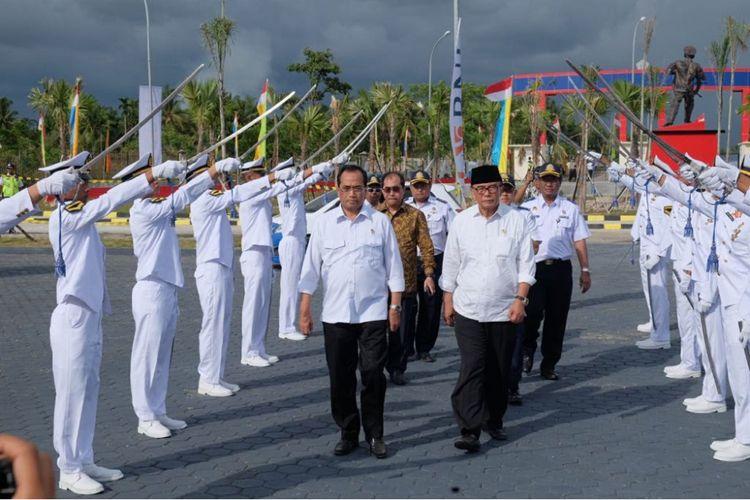 Menteri Perhubungan Budi Karya Sumadi saat menghadiri peresmuan Politeknik Pelayaran Sumatera Barat, Jumat (9/2/2018)