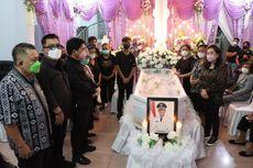 Jenazah Wakil Bupati Sangihe Helmud Hontong Dimakamkan di Tahuna
