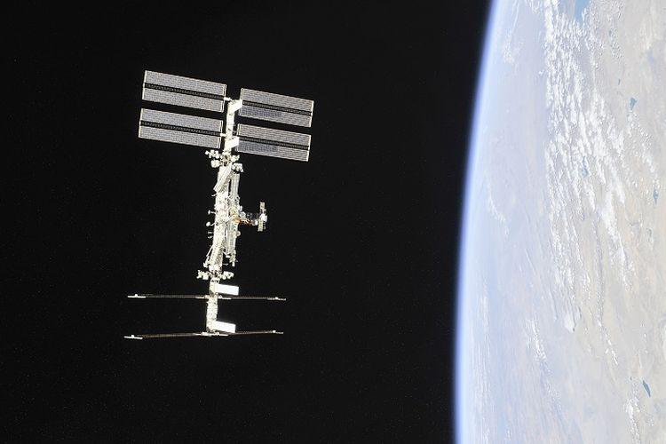 Ilustrasi ISS. Foto yang dirilis NASA pada November 2018, memperlihatkan stasiun luar angkasa internasional (ISS) yang mengorbit Bumi.