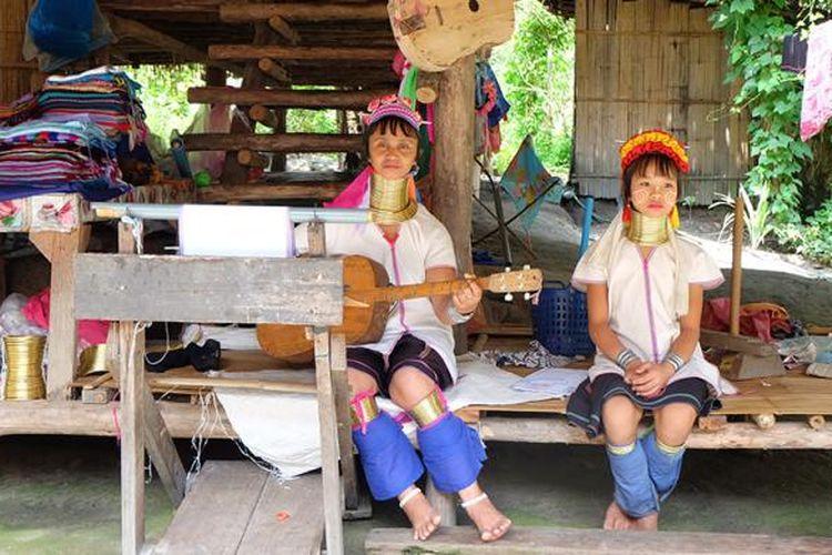 Baan Tong Luang bukanlah desa biasa. Desa wisata yang terletak di Chiang Mai ini mengumpulkan semua suku asli di utara Thailand.