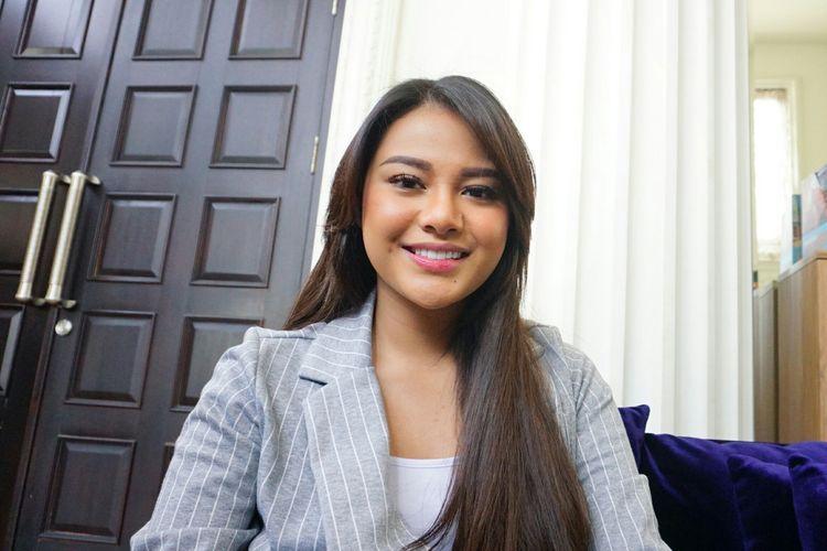 Titania Aurelie Hermansyah saat ditemui di kediamannya di kawasan Cinere, Depok, Jawa Barat, Jumat (7/6/2019).
