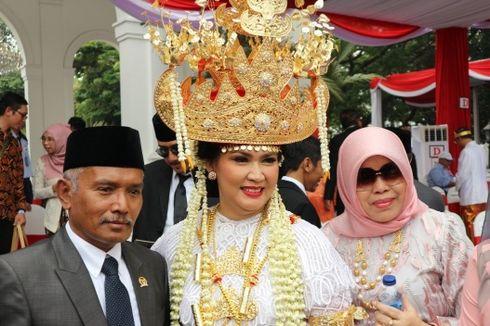 Jokowi Bagi-bagi Sepeda untuk Pemenang Kostum Terbaik di Upacara HUT RI
