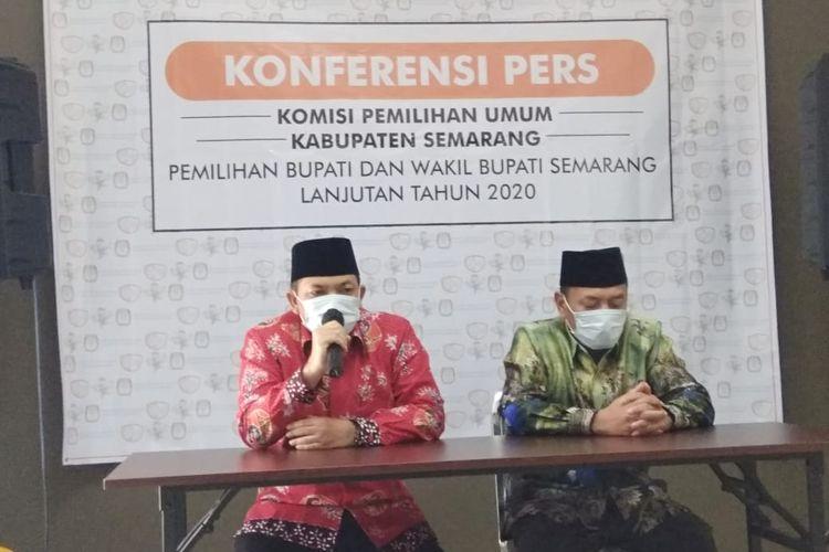 Pasangan Ngebas memberi keterangan pers usai penetapan paslon Pilkada Kabupaten Semarang.