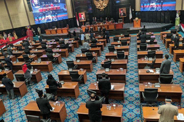 Suasana ruang rapat Paripurna DPRD DKI Jakarta, Senin (16/11/2020)