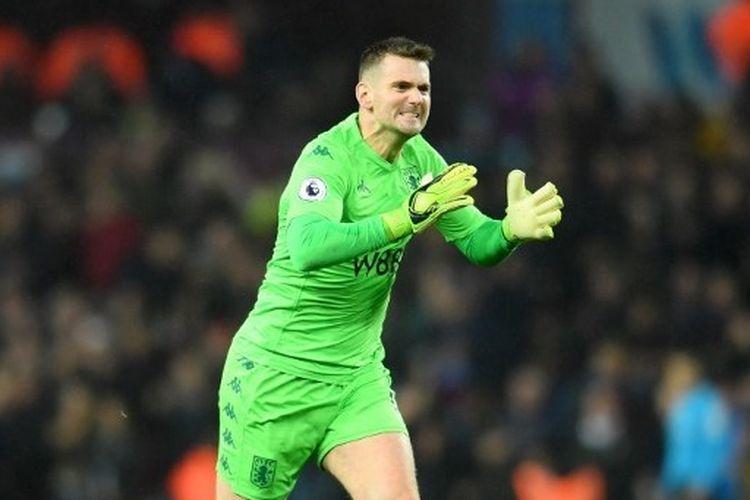 Tom Heaton merayakan gol Aston Villat saat melawan  Southampton di Villa Park pada 21 Desember 2019.