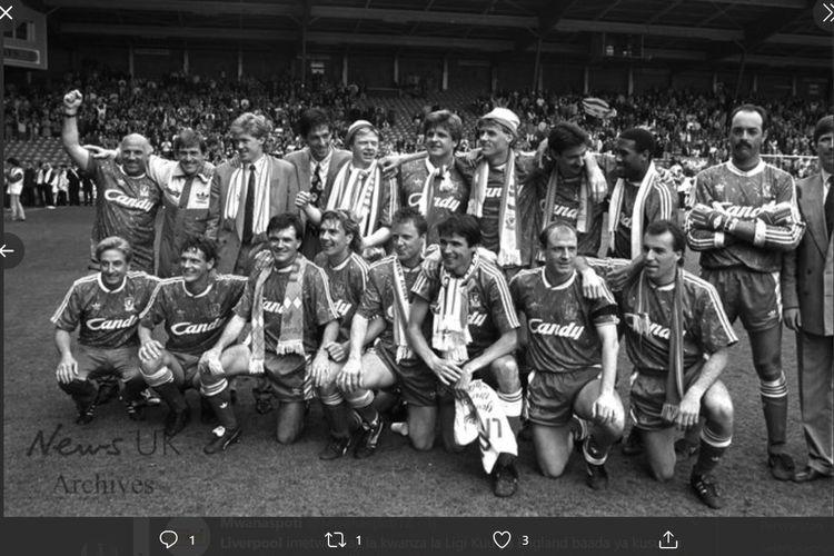 Liverpool menjuarai Liga Inggris musim 1899-1990.