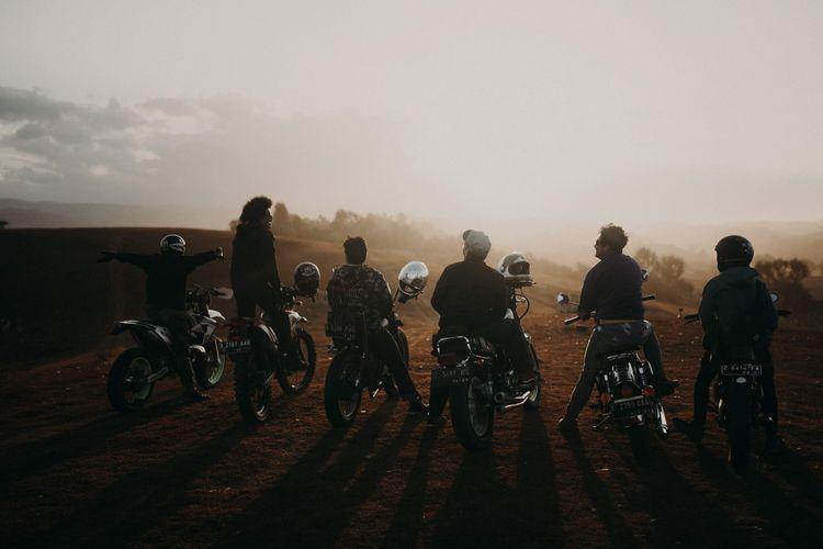 Naik motor merupakan kesempatan untuk mengabadikan momen luar biasa.