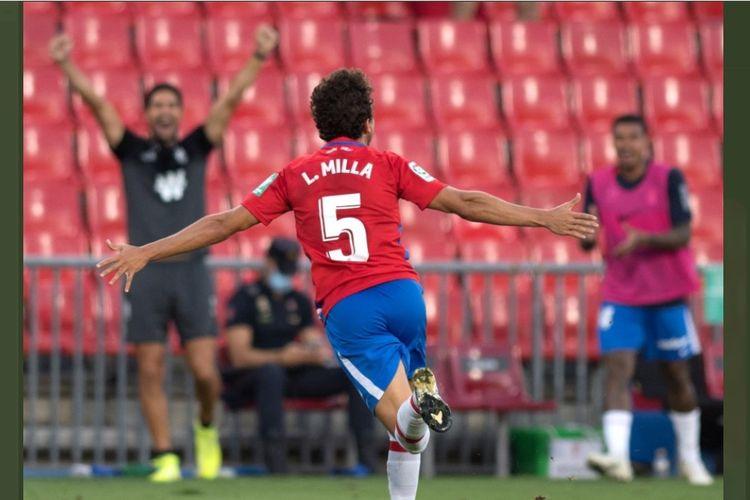 Luis Milla Manzanares debut di La Liga dan langsung mencetak gol bagi Granada.