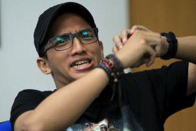 Pemain film Comic 8: Casino Kings, Ge Pamungkas saat mengunjungi kantor redaksi Kompas.com, Jakarta, Senin (22/6/2015). Film komedi yang diperankan artis stand up comedy atau biasa disebut comic tersebut akan tayang di bioskop mulai 15 Juli mendatang.