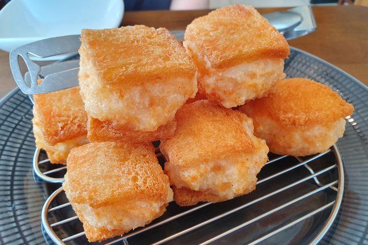Menobosha atau roti udang goreng korea.