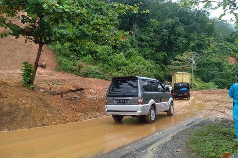 Putus 5 Jam akibat Longsor, Akses Jalan Padang-Painan Kembali Pulih