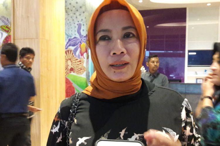 Elly Rachmat Yasin saat menyambangi rapat terbuka rekapitulasi perhitungan suara tingkat Kabupaten Bogor di Hotel Olimpic, Cibinong, Kabupaten Bogor, Jumat (3/5/2019) petang.