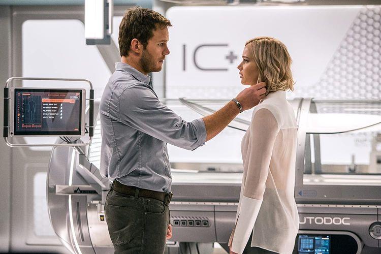 Sinopsis Passengers, Chris Pratt dan Jennifer Lawrence Bangun dari  Hibernasi Halaman all - Kompas.com