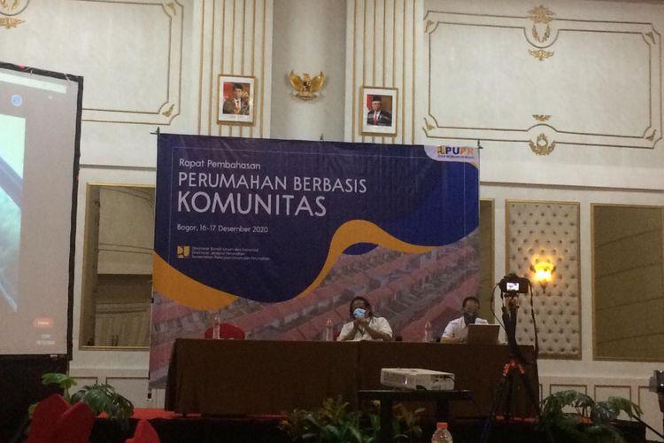 Stakeholder and Relationship Department Head Bank BTN Kabul Budi Setiawan memaparkan program BTN pada acara Perumahan Berbasis Komunitas, Bogor, (16/12/2020).