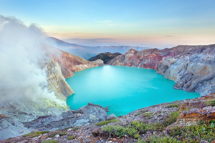 Kawah Ijen Jawa Timur.