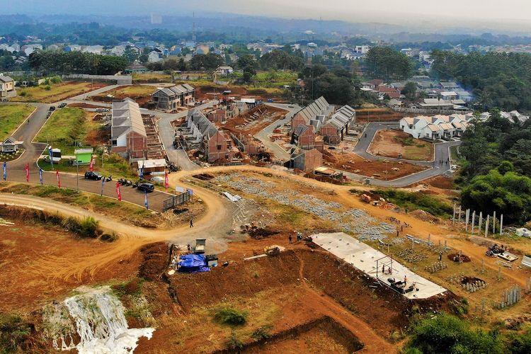 Proyek Royal Heights Apartment adalah proyek apartemen lowrise 5 lantai yang dikembangkan di lahan seluas 5.415 meter persegi di Tajur, Bogor.