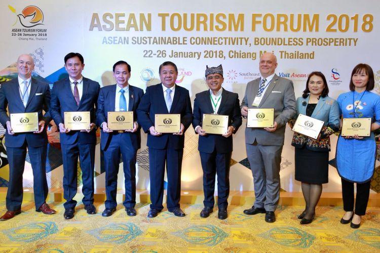 Kabupaten Banyuwangi menyabet penghargaan tertinggi bidang pariwisata tingkat Asia Tenggara, yaitu ASEAN Tourism Standard Award (ASEAN).