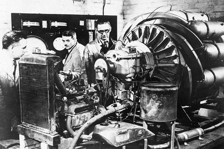 Percobaan mesin turbo jet oleh  Frank Whittle
