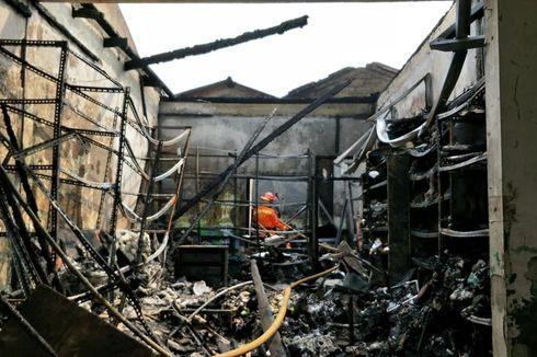 Kebakaran Toko Agen Makanan dan Plastik di Cipayung Diduga Korsleting Listrik