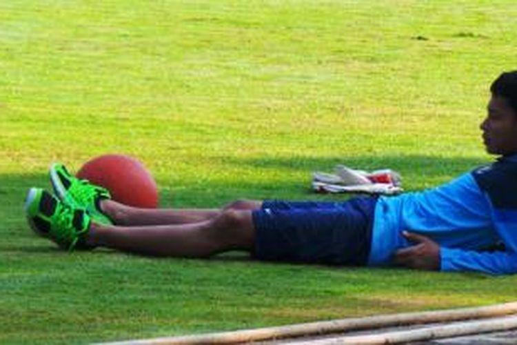 Kapten Tim Nasional Indonesia U-19, Evan Dimas, mengalami cedera di bagian jempol kakinya sehingga ia terpaksa absen pada sesi latihan Kamis (4/9/2014) pagi.