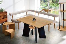 Unik, Ada Meja Makan dengan Lubang untuk Kucing