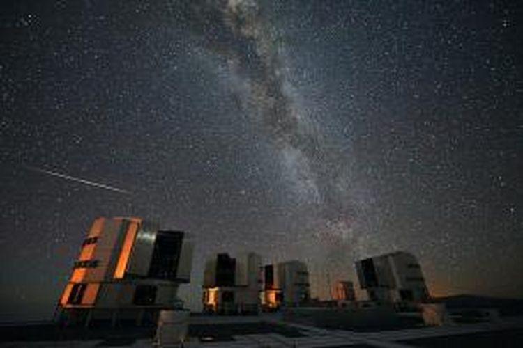 Hujan meteor Perseid diamati dari fasilitas penelitian European Southern Observatory pada tahun 2010.