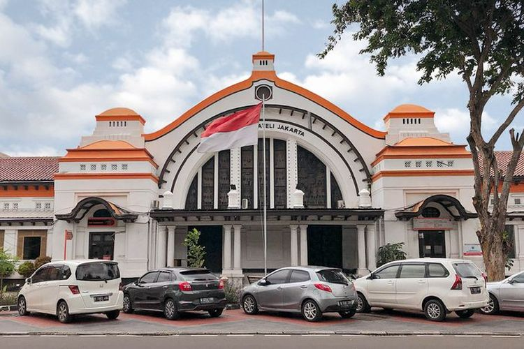 The Jakarta Philatelic Building or the former Pasar Baru Post Office Building which will be converted into Pos Bloc.