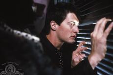 Sinopsis Blue Velvet, Film Misteri Thriller Karya David Lynch
