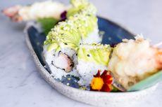 Tips Bikin Sushi Dragon Roll, Ganti Udang dengan Ayam