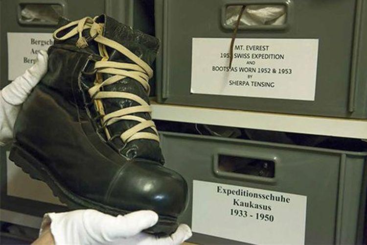 Sepatu boots Bally Reindeer-Himalaya yang dipakai dalam pendakian pertama Gunung Everest oleh Sherpa Tenzing Norgay pada 1953