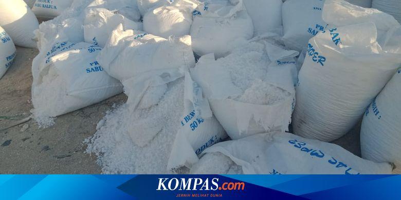 "Efek Kebijakan Impor, 20.000 Ton Garam Industri di Sabu Raijua NTT ""Nganggur"" Tak Laku Dijual Halaman all thumbnail"