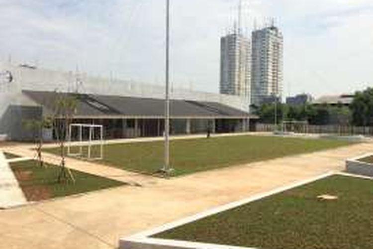 Lapangan futsal di RPTRA Kalijodo, Jakarta Barat.
