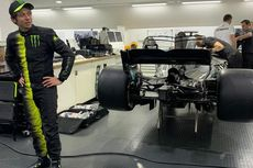 Ketika Rossi dan Hamilton Saling Tukar Kendaraan