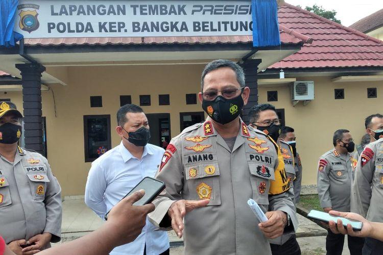 Kapolda Bangka Belitung Irjen Anang Syarif Hidayat di lapangan tembak Mapolda, Senin (8/2/2021)..