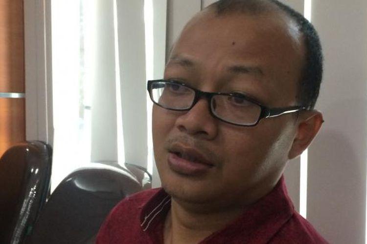 Koordinator Divisi Monitoring Hukum dan Peradilan Indonesia Corruption Watch (ICW) Emerson Yuntho dalam Dialog Media di Kantor Lembaga Administrasi Negara, Jakarta, Rabu (7/12/2016).