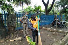 Pengendara Motor Tanpa Masker Dihukum Sapu Jalan Jalan Raya Bogor