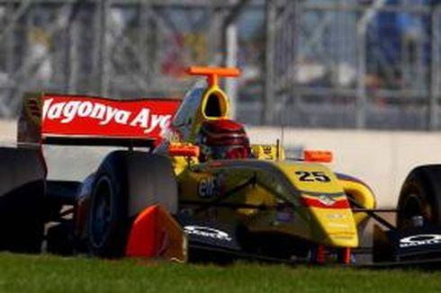 Sean Gelael Alami Kendala Teknis di Nurburgring