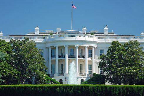 Seorang Pria Ditahan Usai Coba Bakar Diri di Depan Gedung Putih
