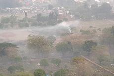 Asap Tebal Mengepul di Area TPU Pondok Kelapa, Berasal dari Pembakaran Sampah