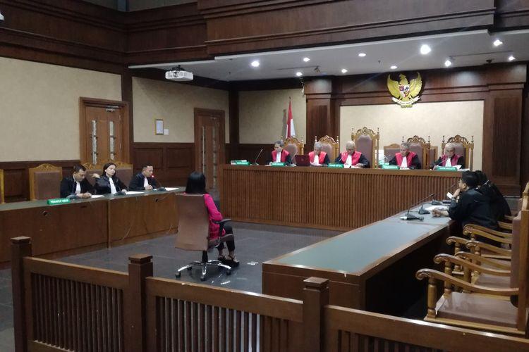 Bupati Kepulauan Talaud Sri Wahyumi Maria Manalip di Pengadilan Tipikor Jakarta, Senin (23/9/2019)